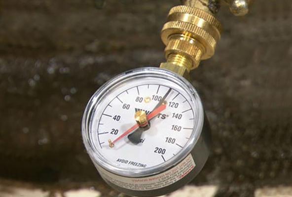 water pressure in your home - water pressure gauge